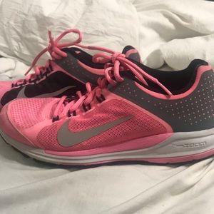 Nikes size 7